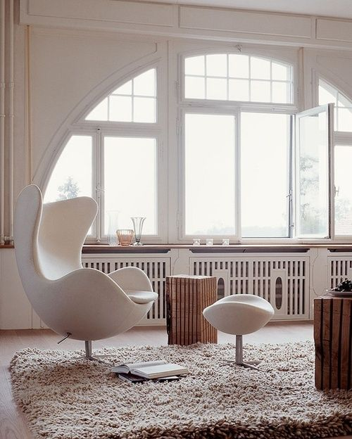 Egg chair by Arne Jacobsen Home Furniture